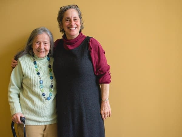 Lucy Smith and host Mindy Ratner