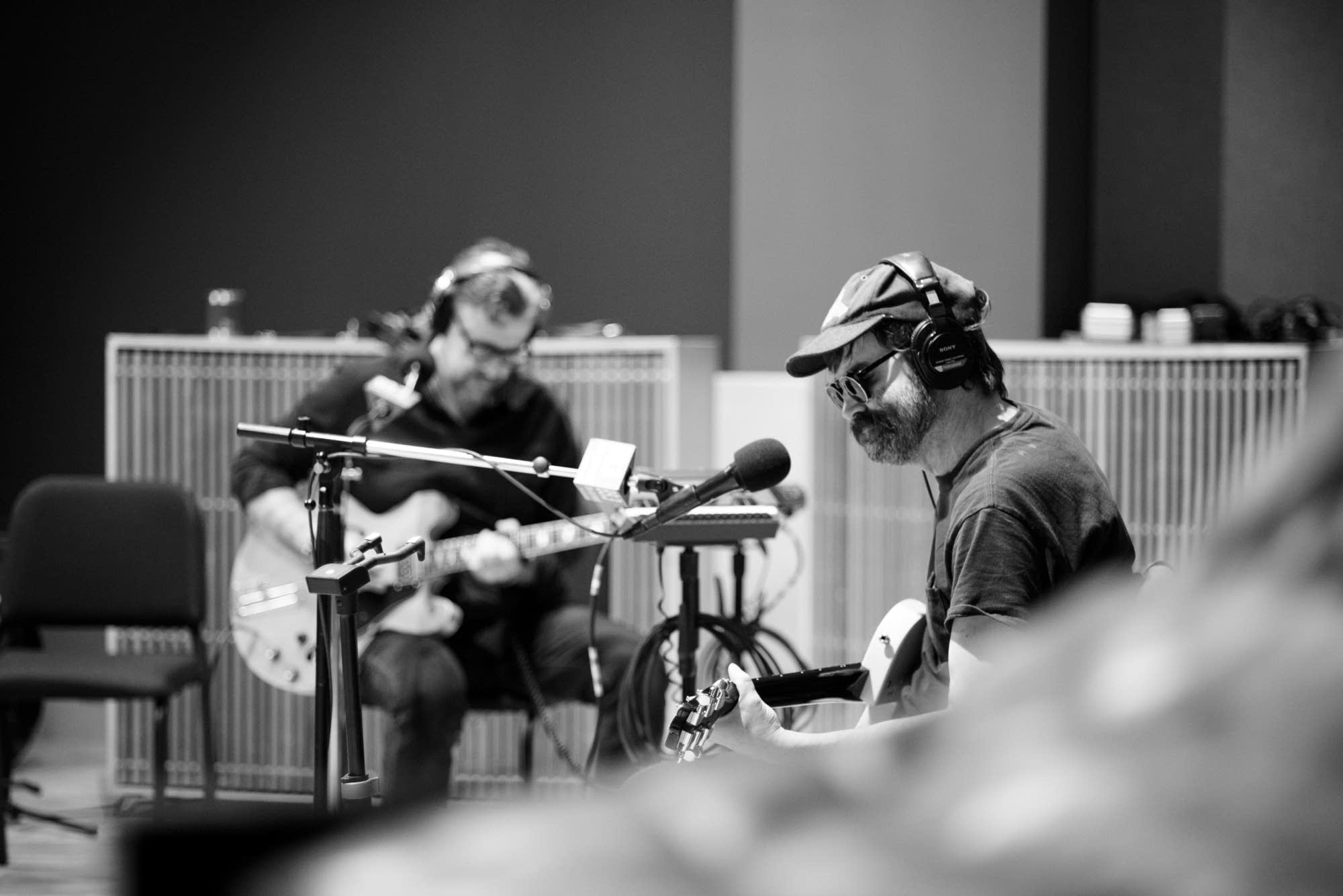 Eels perform in The Current studio