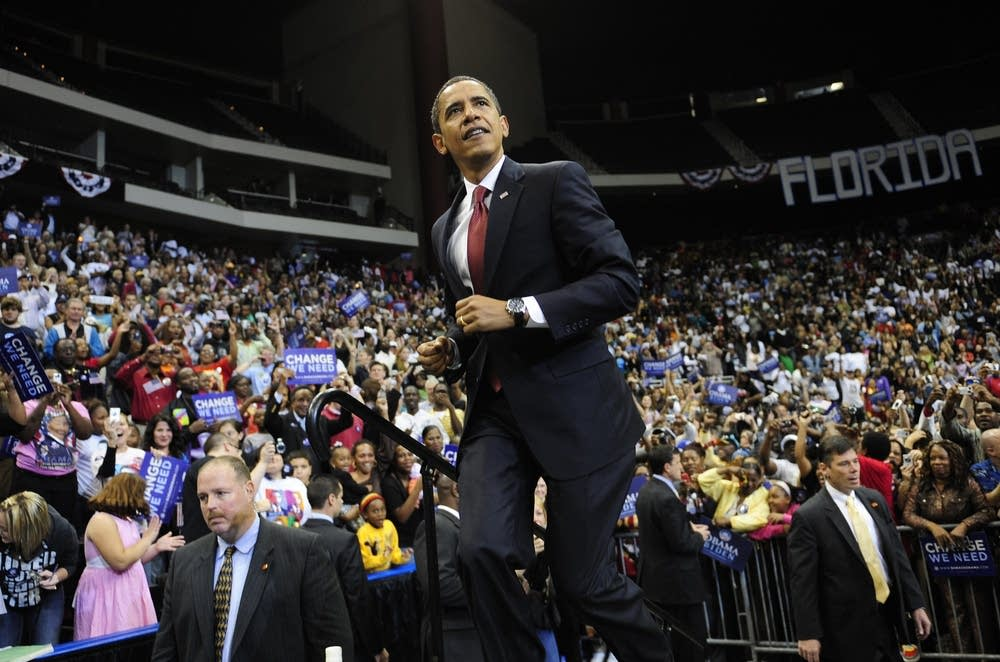 Barack Obama takes the stage in Florida
