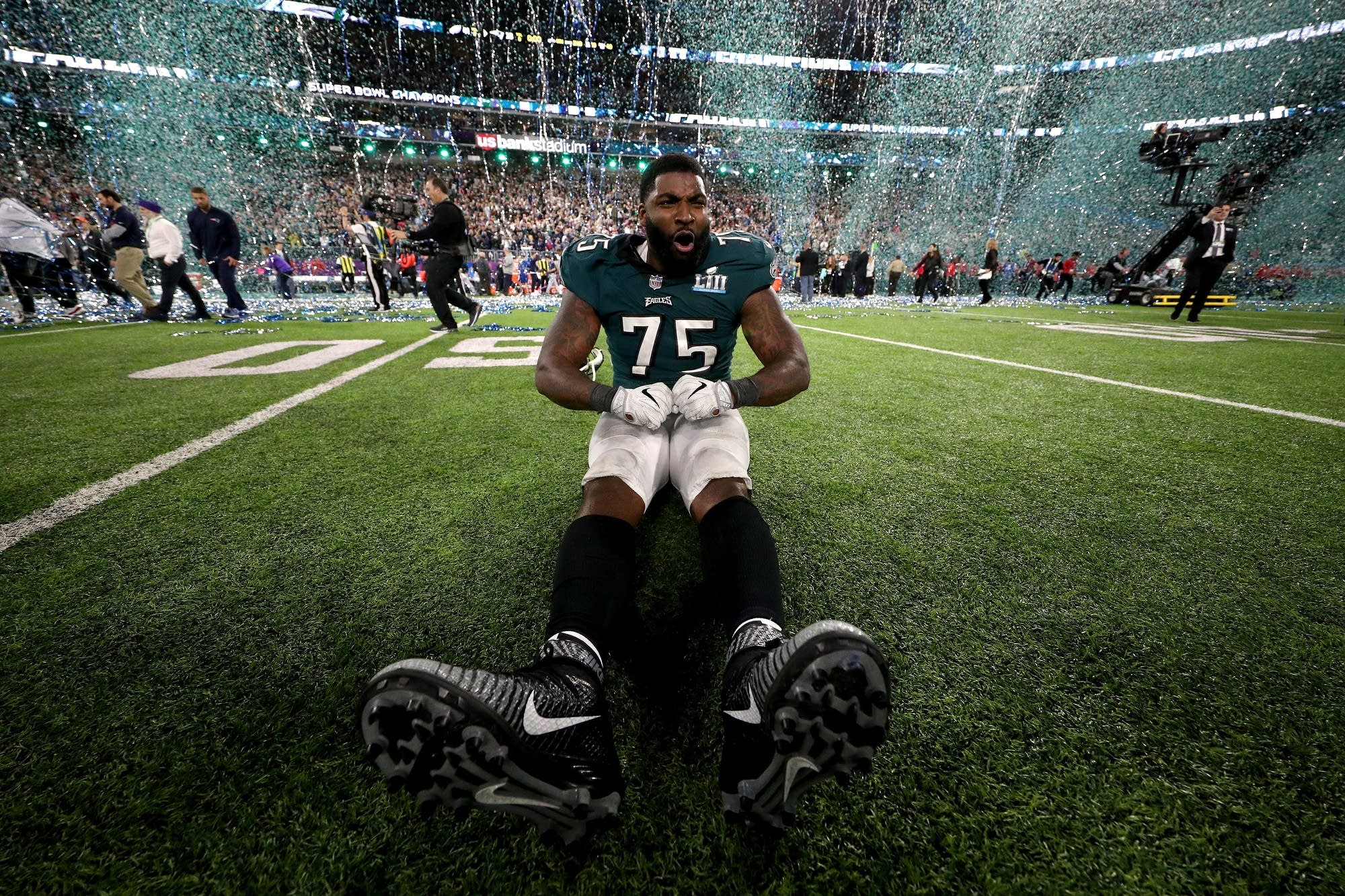 Vinny Curry of the Philadelphia Eagles celebrates.