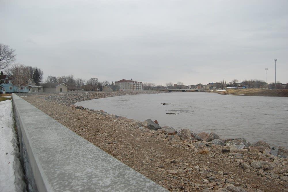 Crookston flood wall