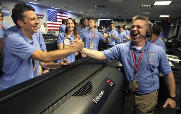 NASA's Jet Propulsion Lab Holds Viewing Of Mars Cu