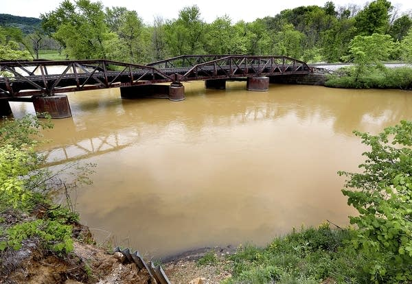 Sludge from the Hi-Crush mine is seen in the Trempealeau River.