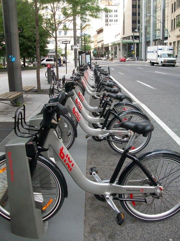 bike share kiosks