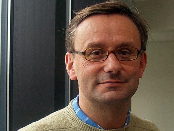 Simon Halsey