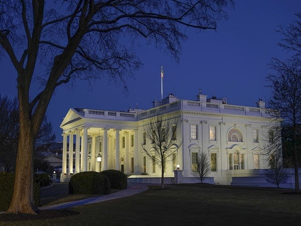 Dusk settles over the White House