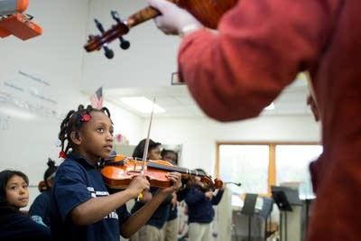 El Sistema music program strikes against poverty | Your