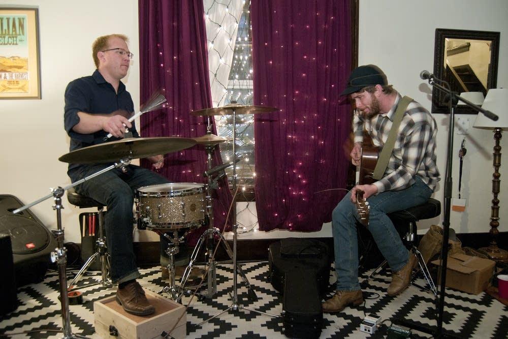 John Statz and Chris Sasman play a home concert.