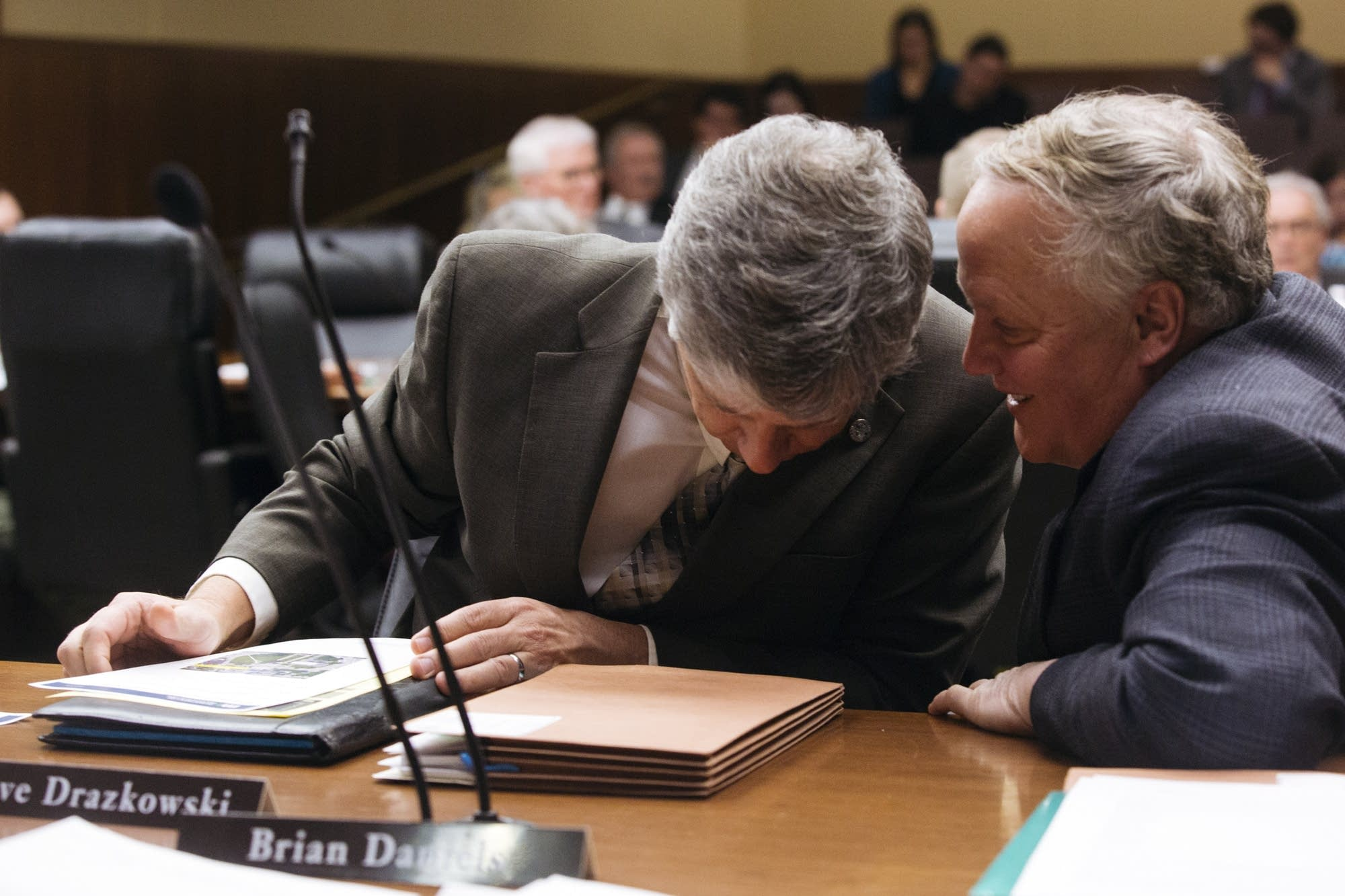 Rep. Steve Drazkowski (R), left, consults with Joe Marble