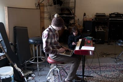 088c99 20130222 beck hansens song reader recording session 7