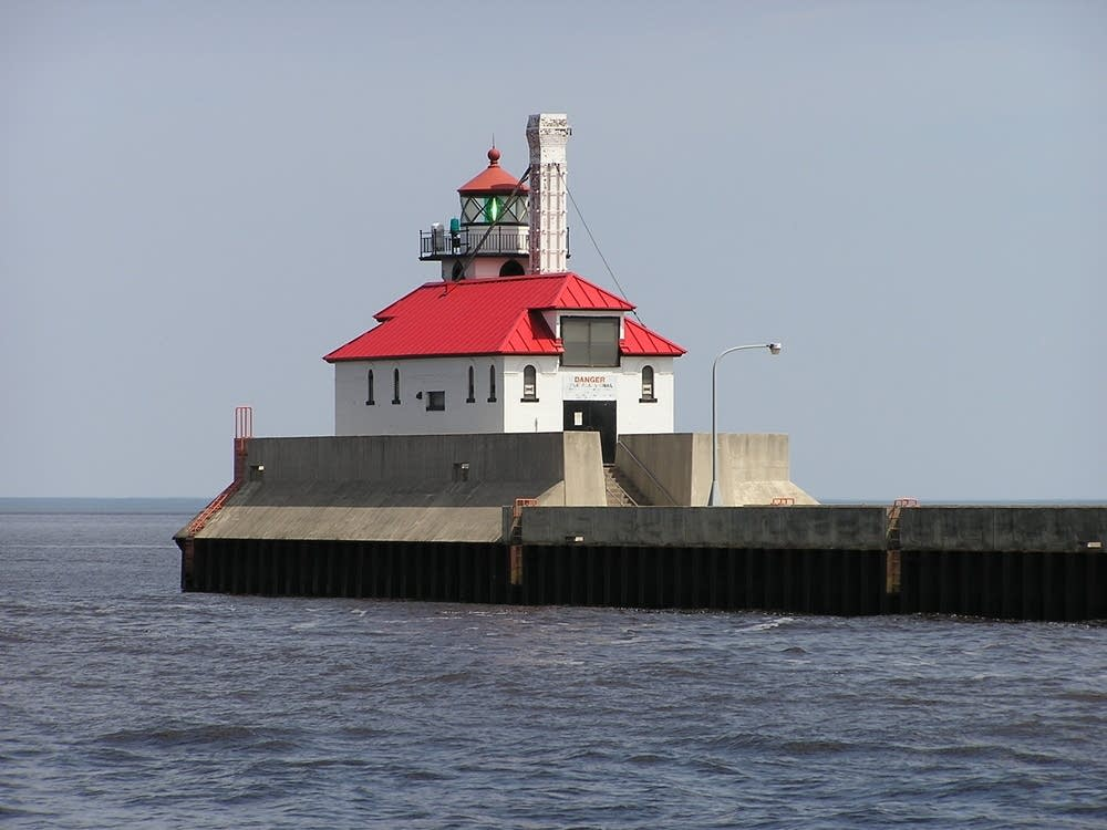 Duluth ship entry
