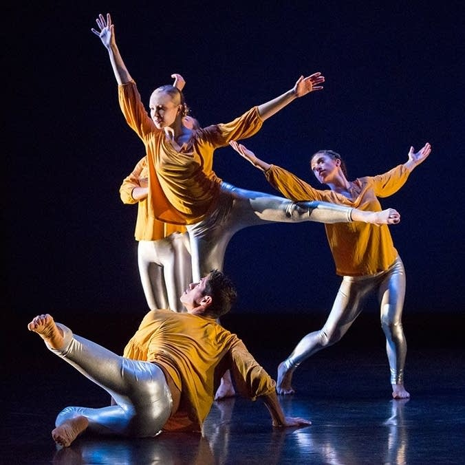 "Zenon Dance Company performs ""Gemini"" by choreographer Penelope Freeh"