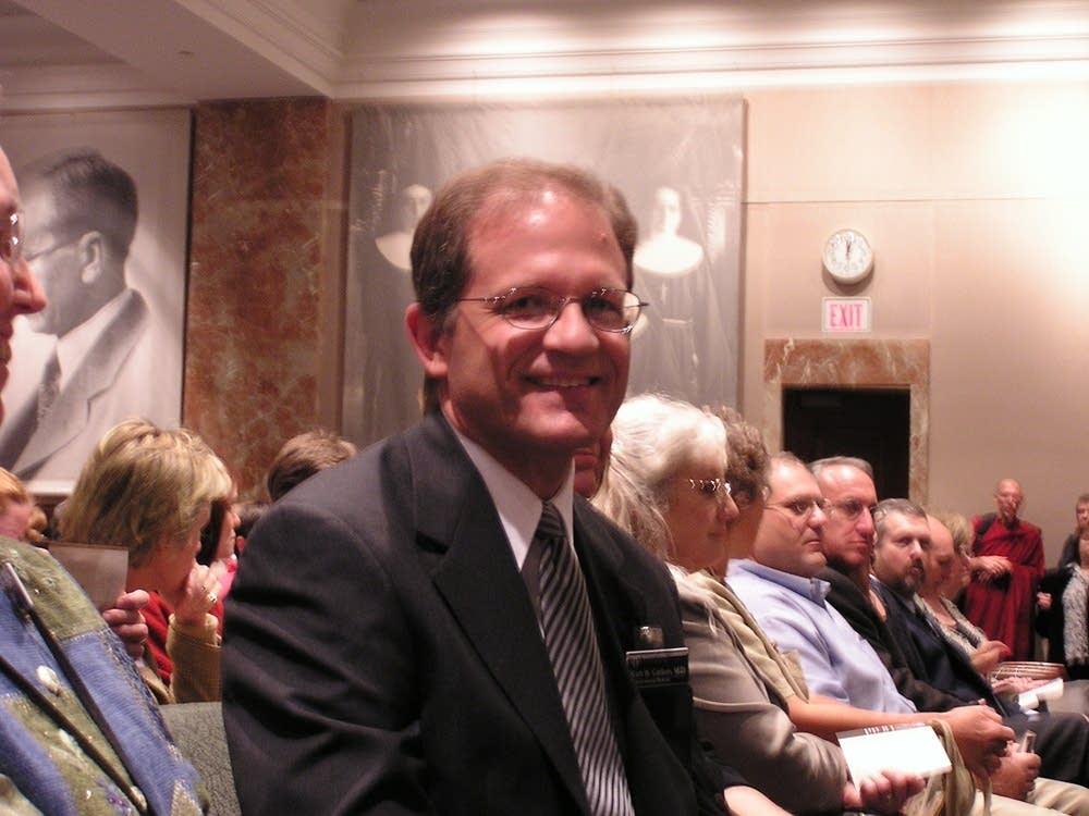 Dr. Kurt Carlson