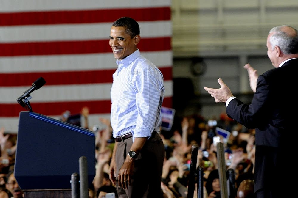 Obama takes the stage
