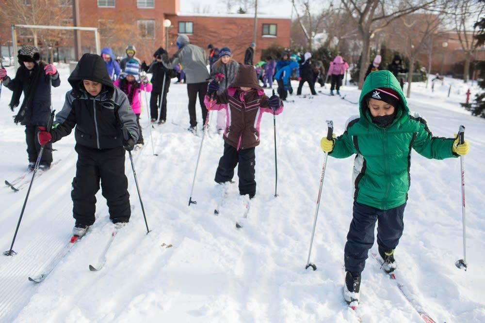 Minne-Loppet skiers