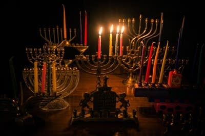 B8be9b 20131122 menorah12