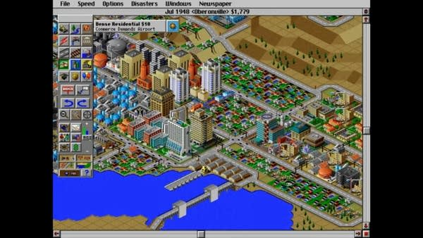 Screen shot of Sim City 2000 video game: Building a Big city by the water