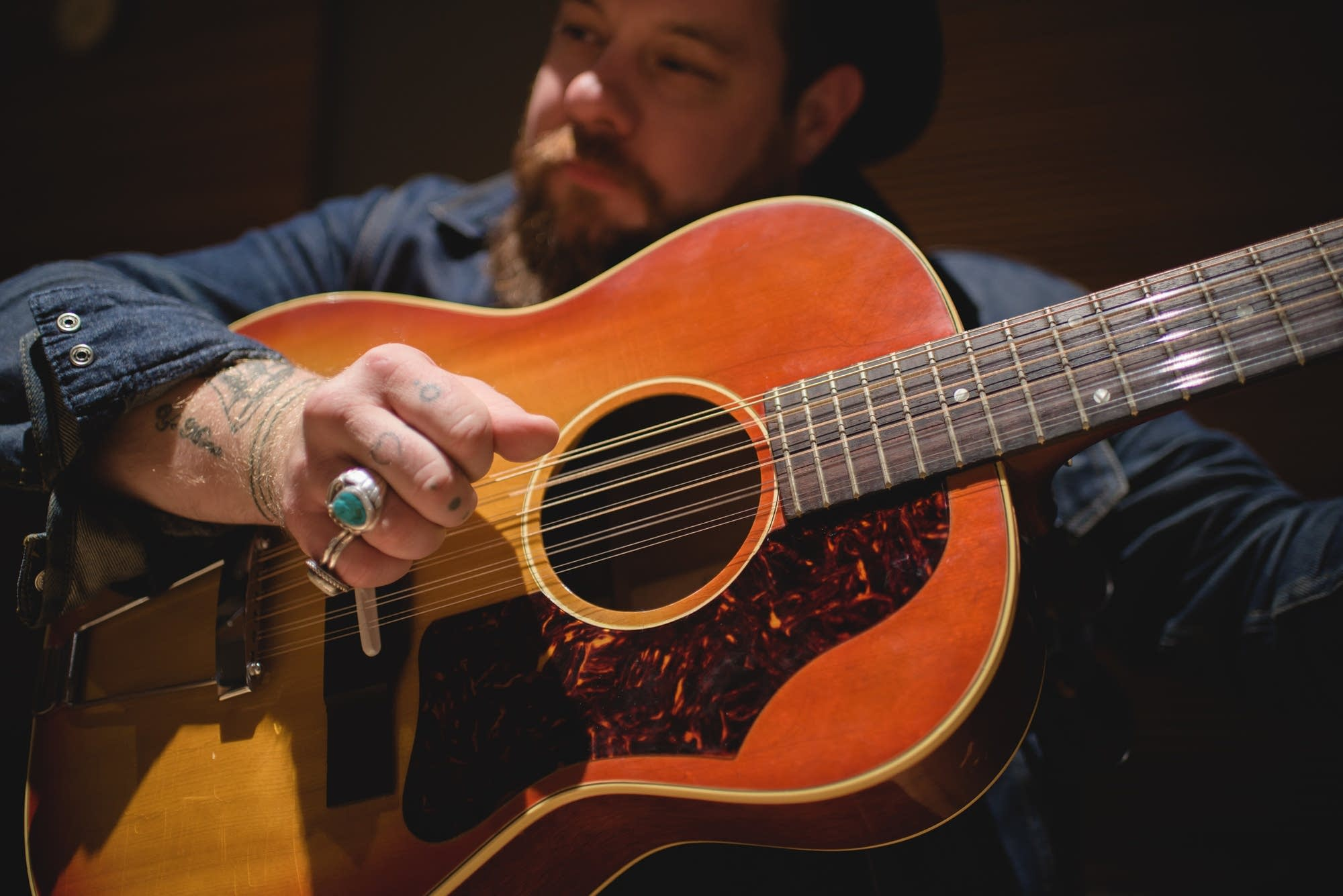 Nathaniel Rateliff, Gibson B-25 12 string 5