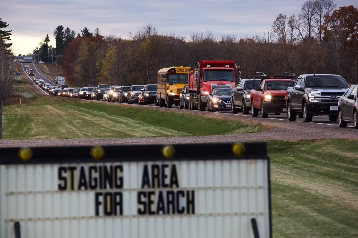 Volunteers arrive to help authorities search for Jayme Closs.