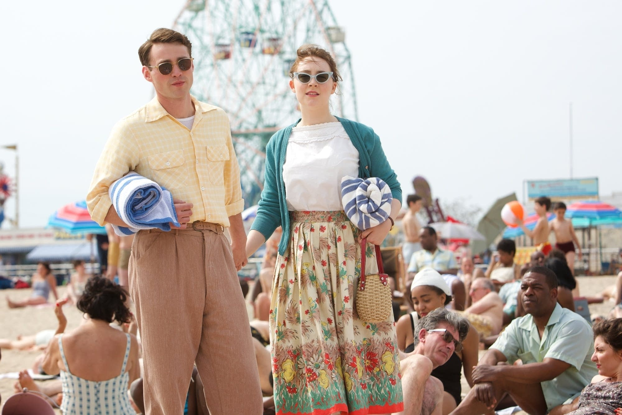 Emory Cohen and Saoirse Ronan in 'Brooklyn'