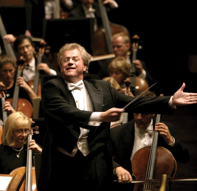 Osmo Vanska conducting