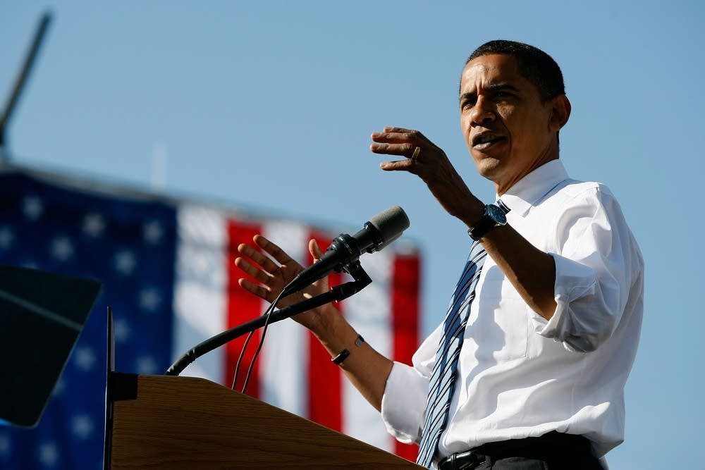 Obama campaigns in Iowa