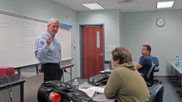 Rep. Rick Nolantalks politics with students
