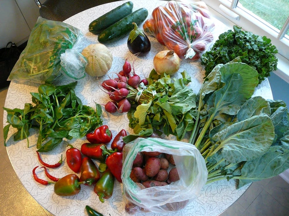 csa share vegetables