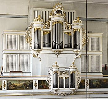 1718 Silbermann; 1952 Mühleisen organ at Église protestante...