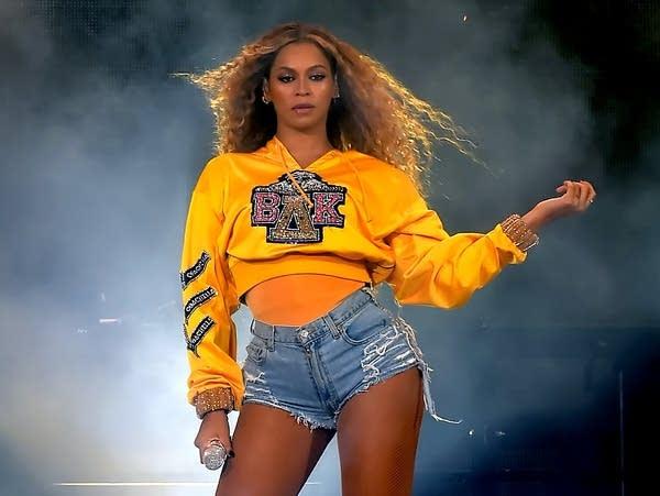 Beyoncé performs at Coachella, April 2018.