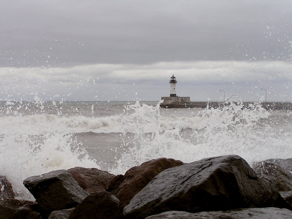 Duluth waves