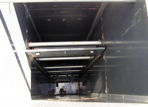 Controlled-drainage box