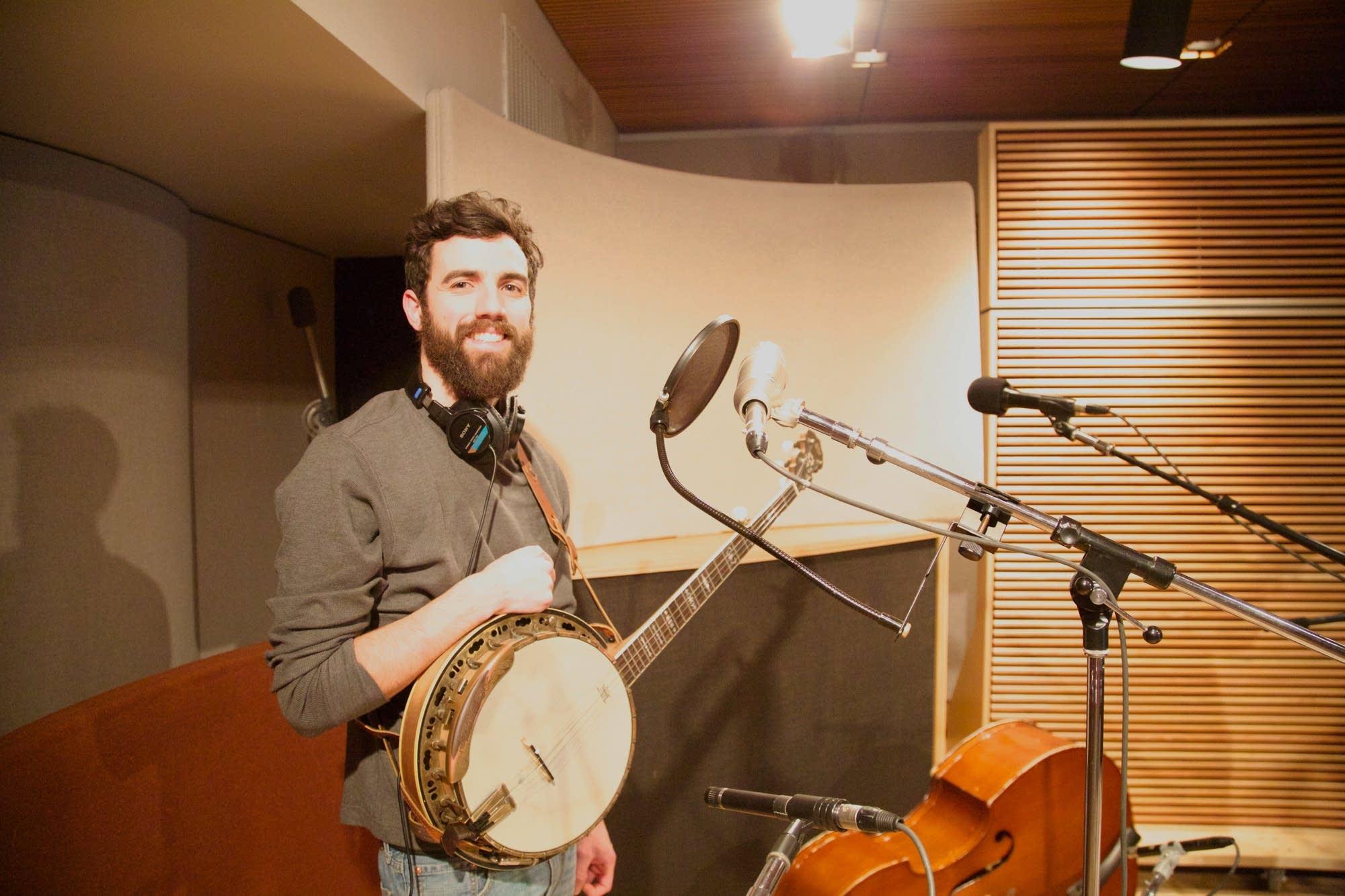 The Last Revel Perform In The Radio Heartland Studio The