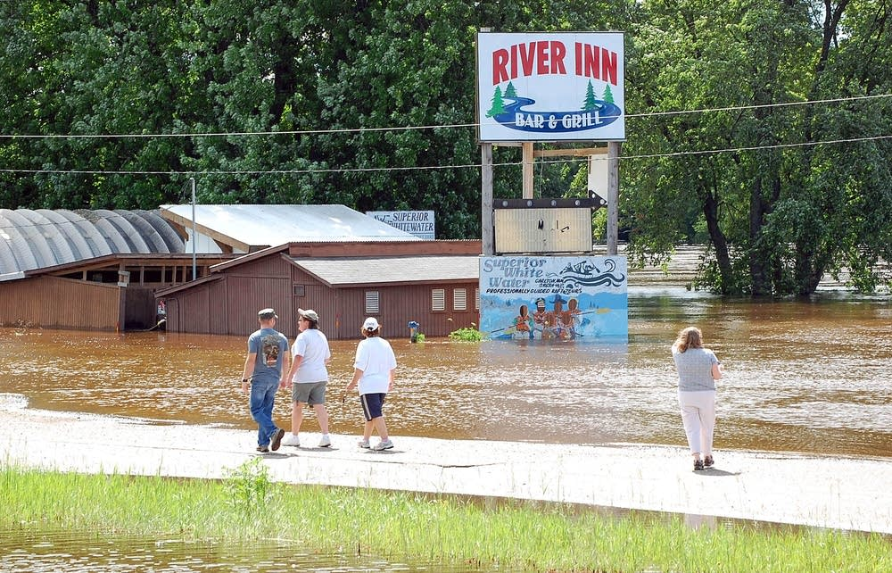 River Inn Bar and Grill
