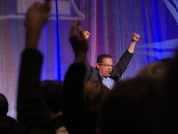 Rep. Keith Ellison revives the crowd.
