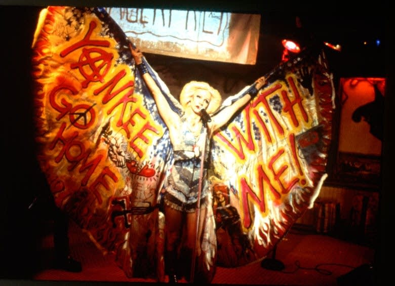 Hedwig on stage