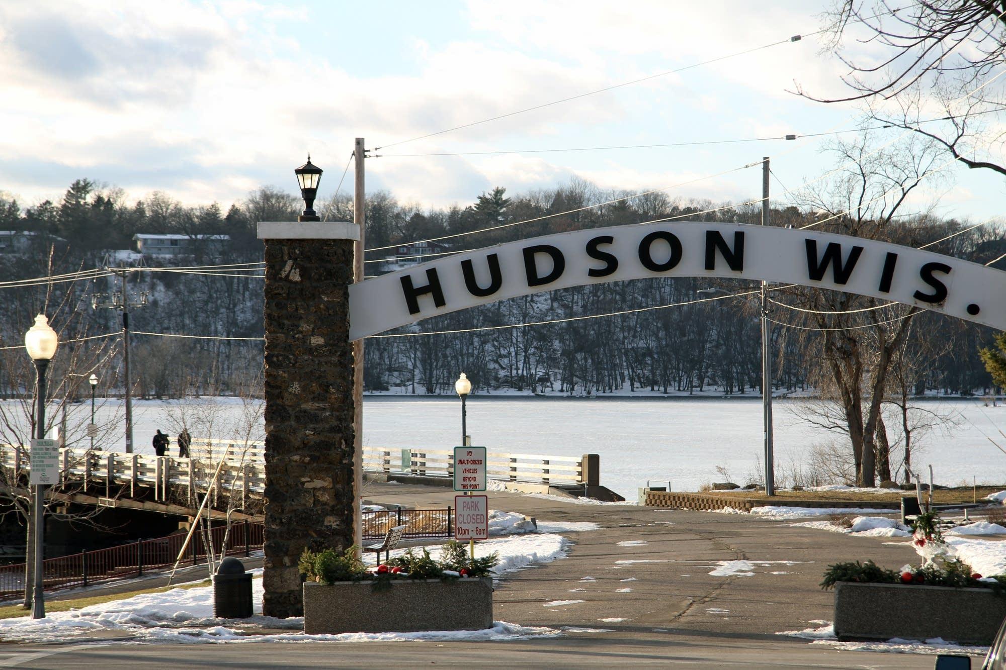 Hudson, Wis.