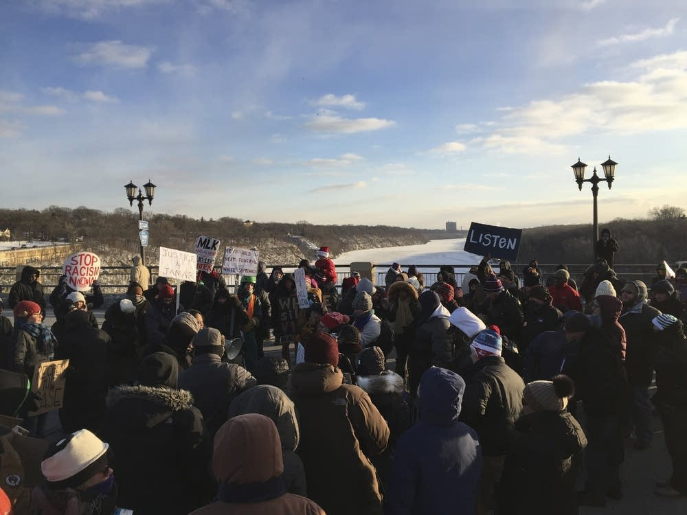 Protest on a brige