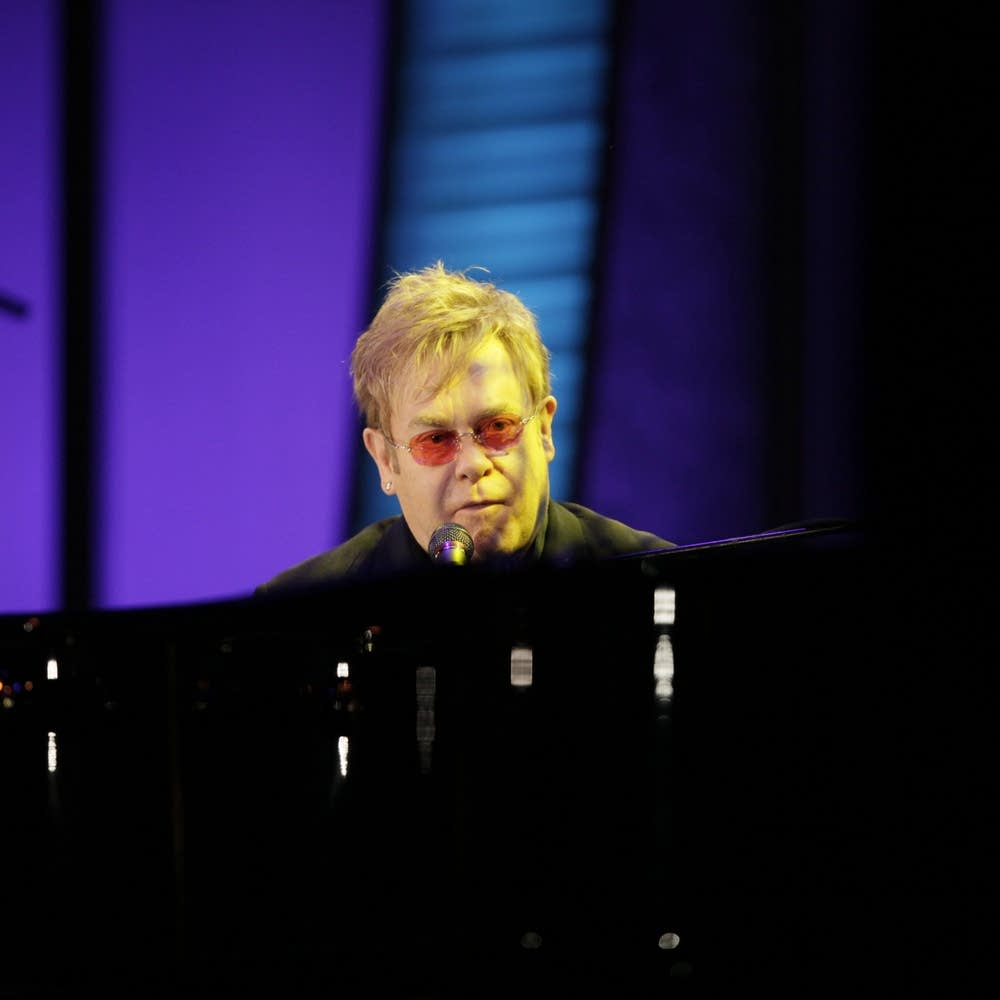 Elton John performed at the 2009 gala.