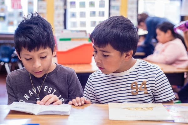 Experts say widely used reading curriculum is failing kids