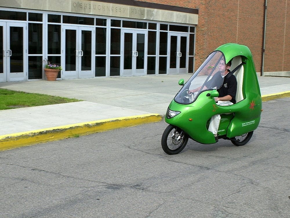 Tom Lenertz driving the electric motorcycle