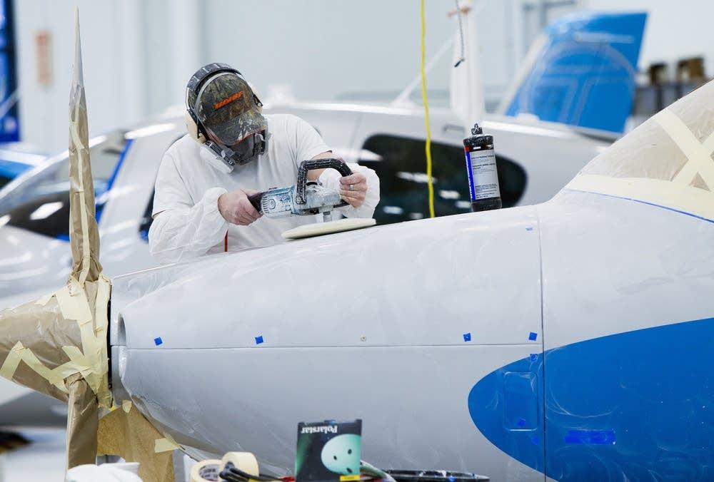 Buffing aircraft exterior