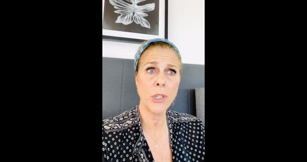 Rita Wilson rapping under quarantine (via Instagram)