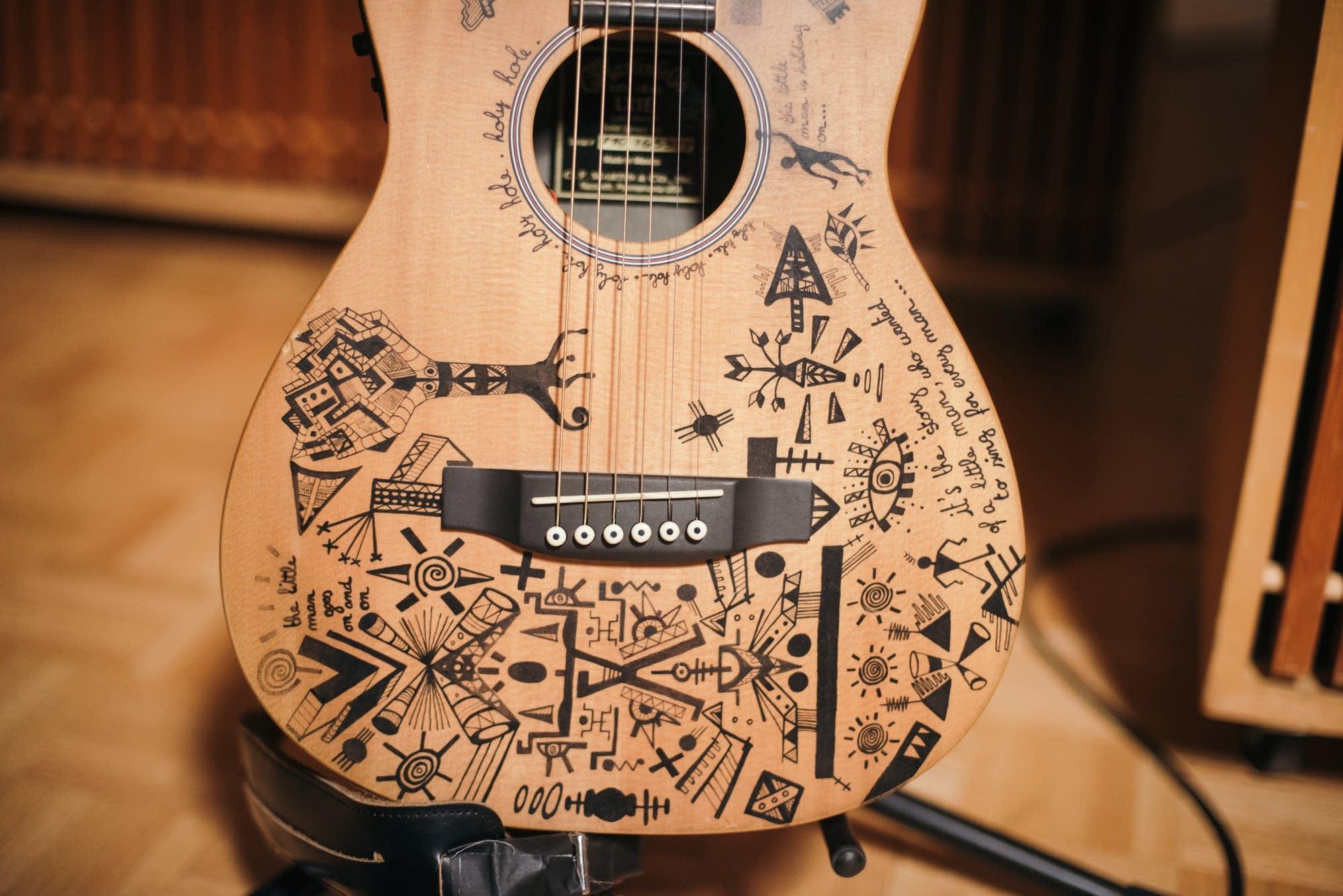 Jain's guitar