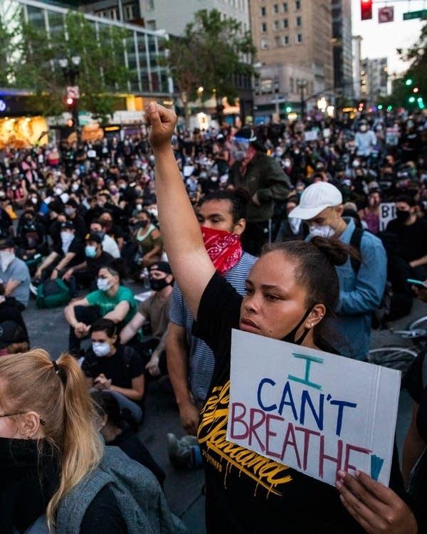 65a197-20200604-floyd-protest.jpg