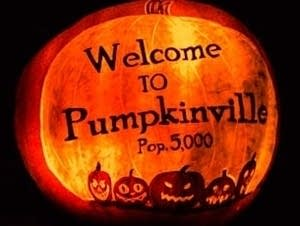 A carved pumpkin welcomes visitors to the Minnesota Zoo pumpkin event.
