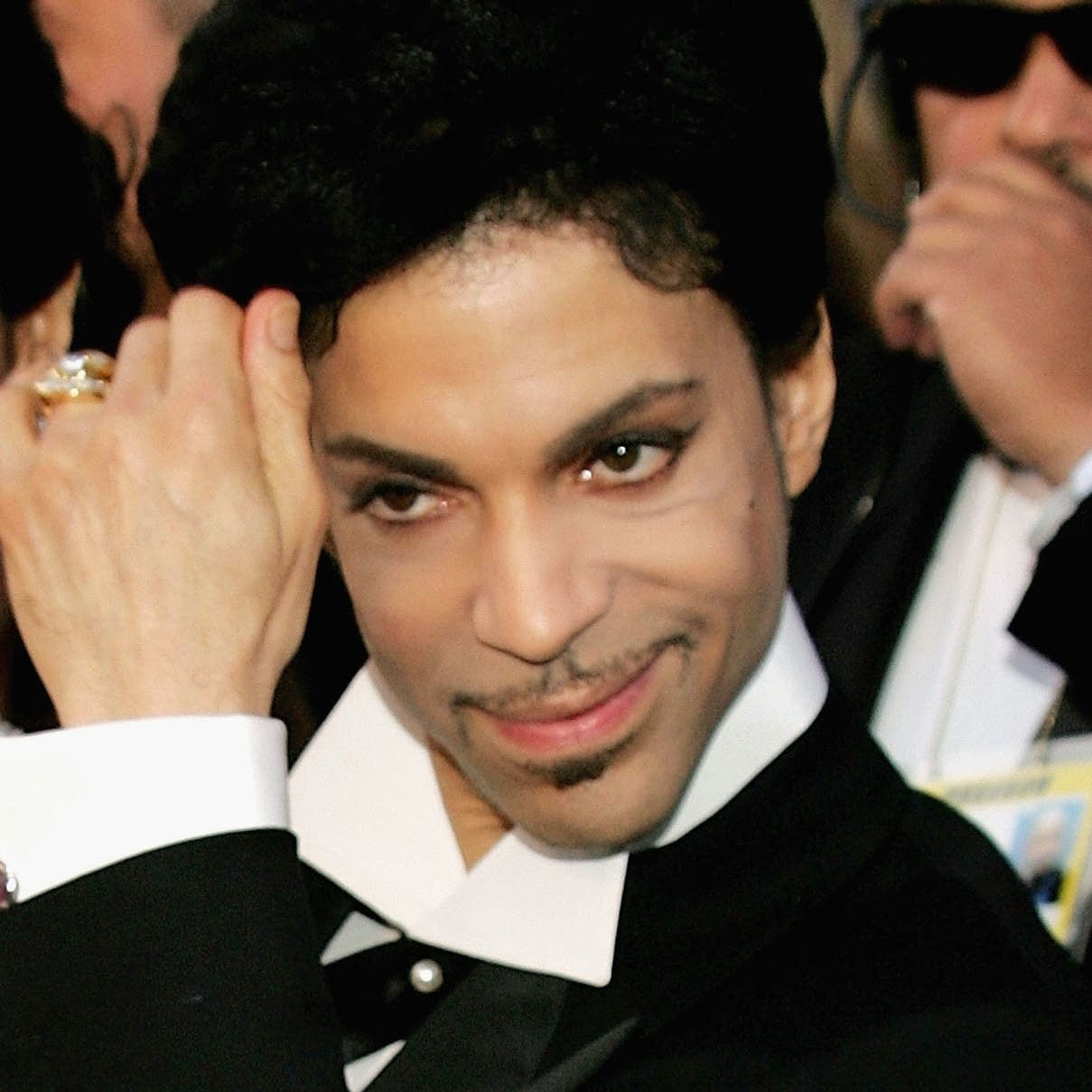Prince arrives at the 77th annual Academy Awards