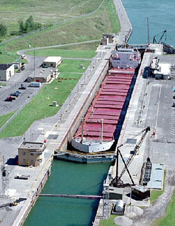 Eisenhower Locks