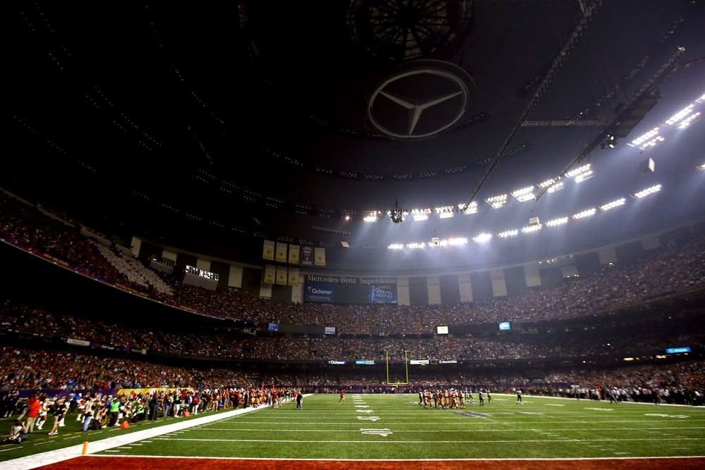 Power outage at Super Bowl