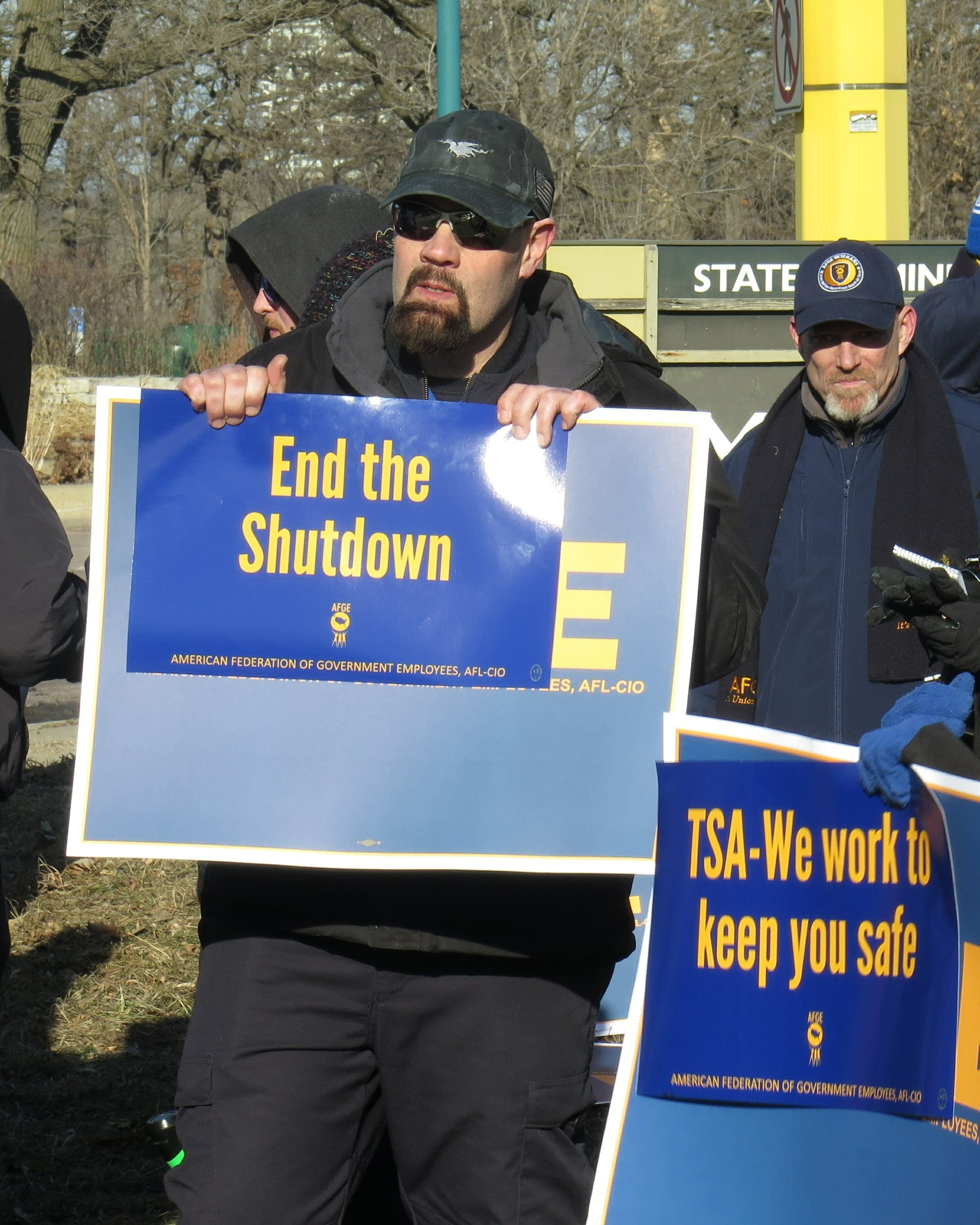 Some federal workers still unpaid after shutdown, dread